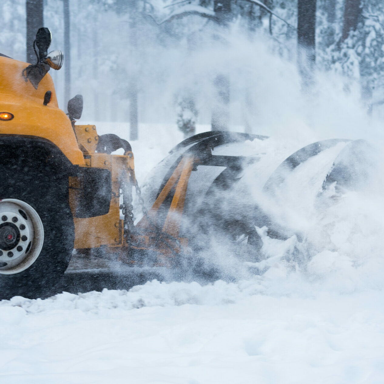snow-plow-at-work_t20_rRpAPd